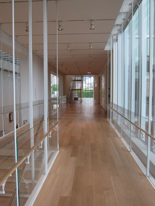 Art institute of chicago modern wing hallway