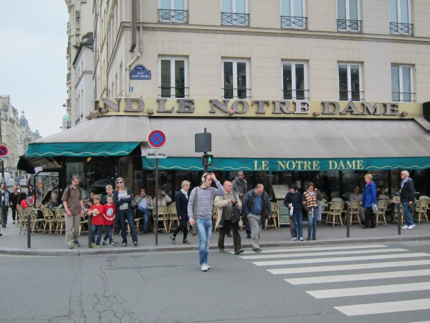 Paris restaurant across from Notre Dame