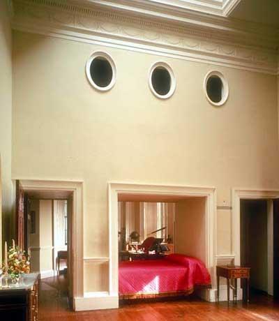 Monticello porthole closet