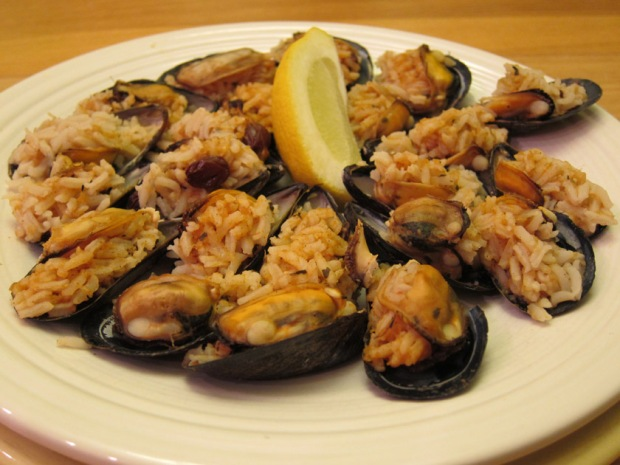 plate of Turkish stuffed mussels