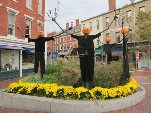 pumpkin scarecrows, Portsmouth, NH