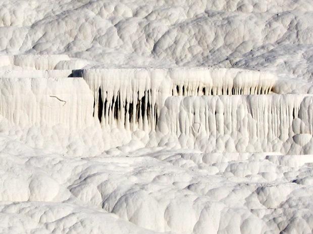 Pamukkale Travertine terrace detail
