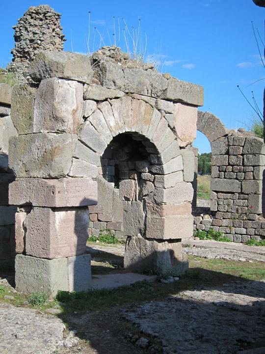 massive arch, Ascelpium, Pergamon