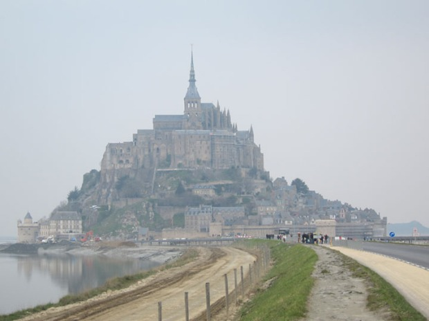 Mont Saint-Michel cloudy