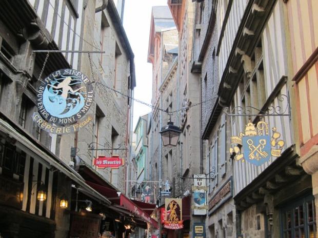 street signs, Mont Saint-Michel