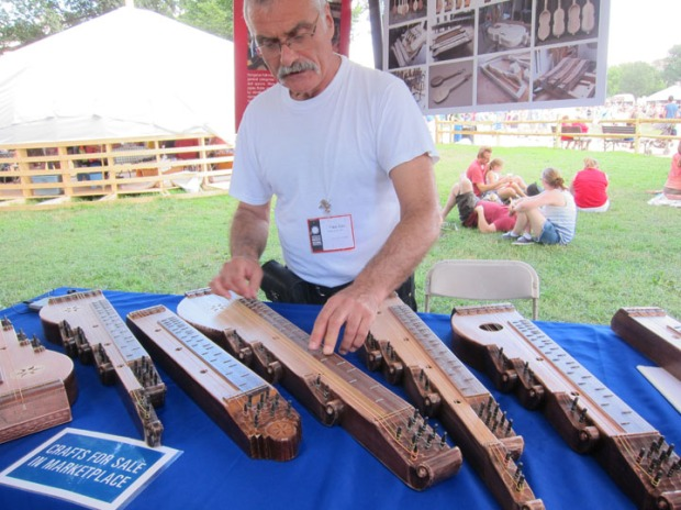 zither maker
