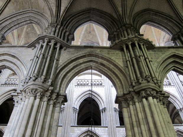 Rouen side aisle detail