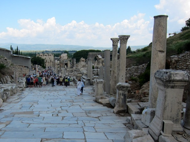 Ephesus tour groups leaving