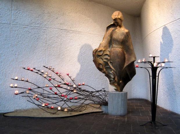 modern joan of arc statue