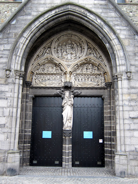 Entrance to Saint John's Hospital