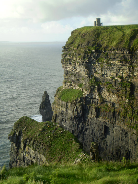 Cliffs of Moher, O'Brien castle