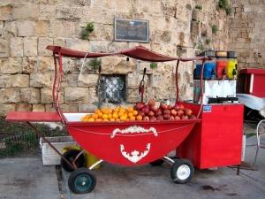 Israel drink cart, oranges and pomegranates