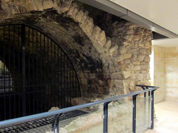 akko hotel cellar