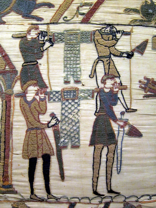 carrying armour, Bayeux Tapestry
