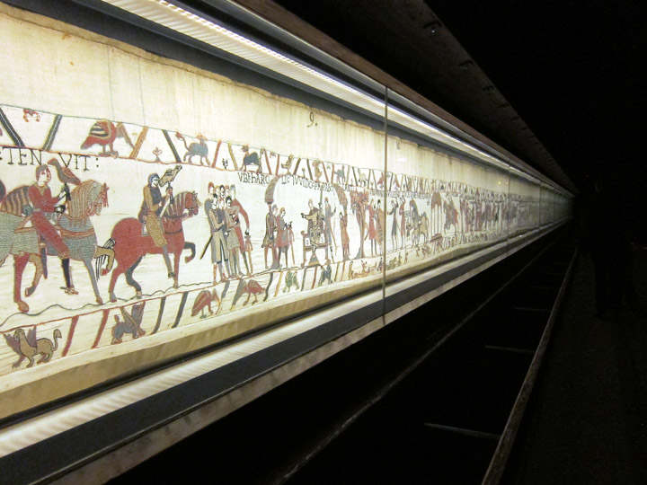 The bayeux tapestry storytelling in fabric daydream tourist - Qu est ce que la tapisserie de bayeux ...