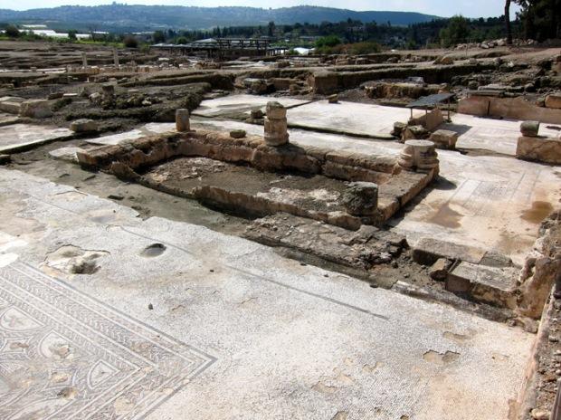 smaller buildings, Sepphoris
