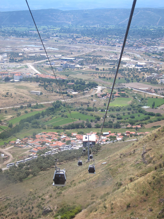 The cable cars to the top of Pergamon