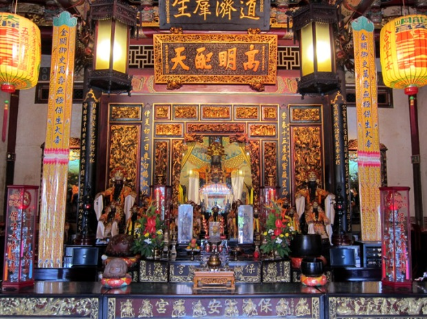 Main shrine, Baoan Temple