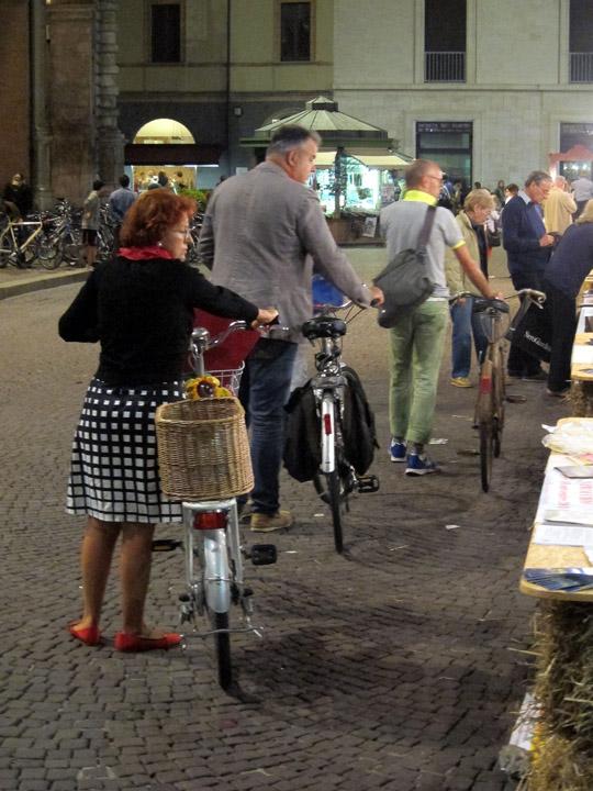 Rimini Shopping, Piazza Cavour