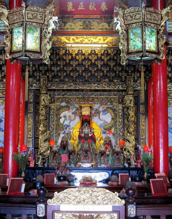 inside Shengming Temple