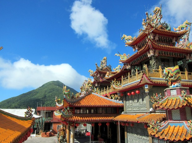 Shengming Temple and mountain