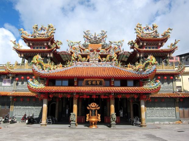 Shengming Temple entrance