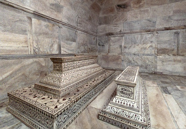 Taj Mahal Tombs in crypt