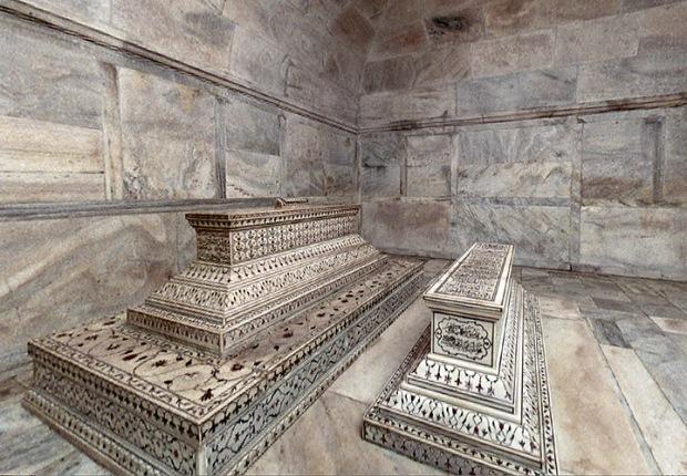 Taj Mahal Tombs in crypt