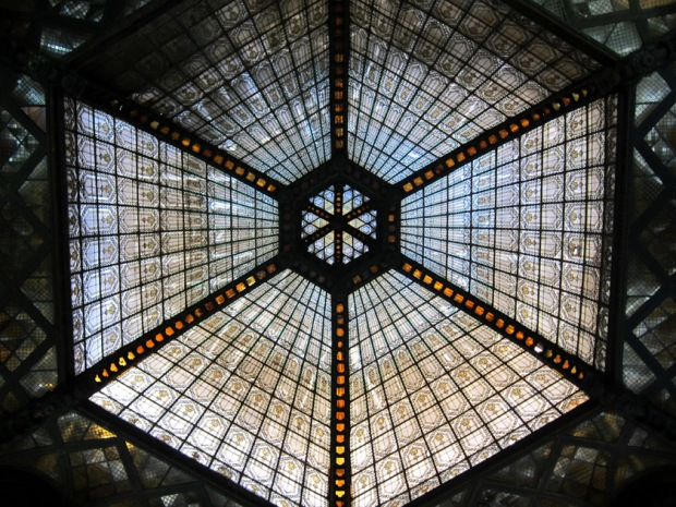 Central glass ceiling inside Párizsi Udvar