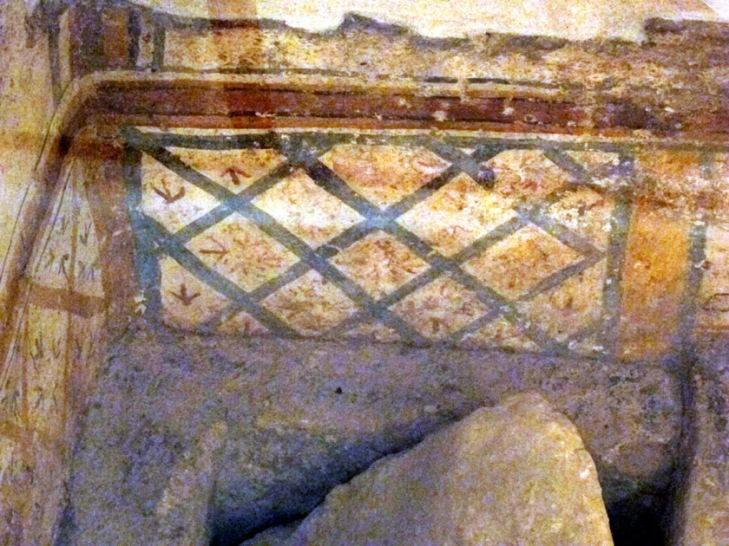 Garden lattice motif in the down into The Wine Pitcher Burial Chamber.