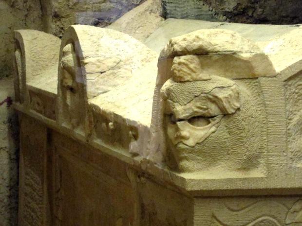 Christian Roman sarcophagus lid detail