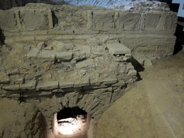 smaller Roman tomb