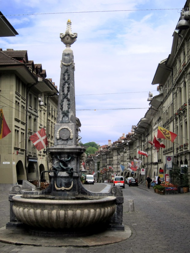 Obelisk fountain on Kramgrasse, Bern