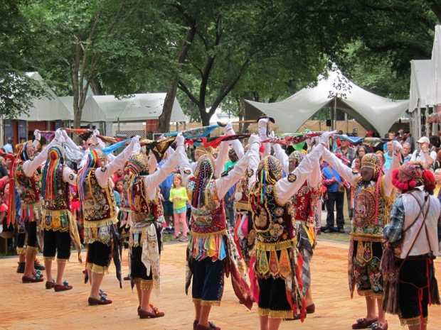 Peru dancers