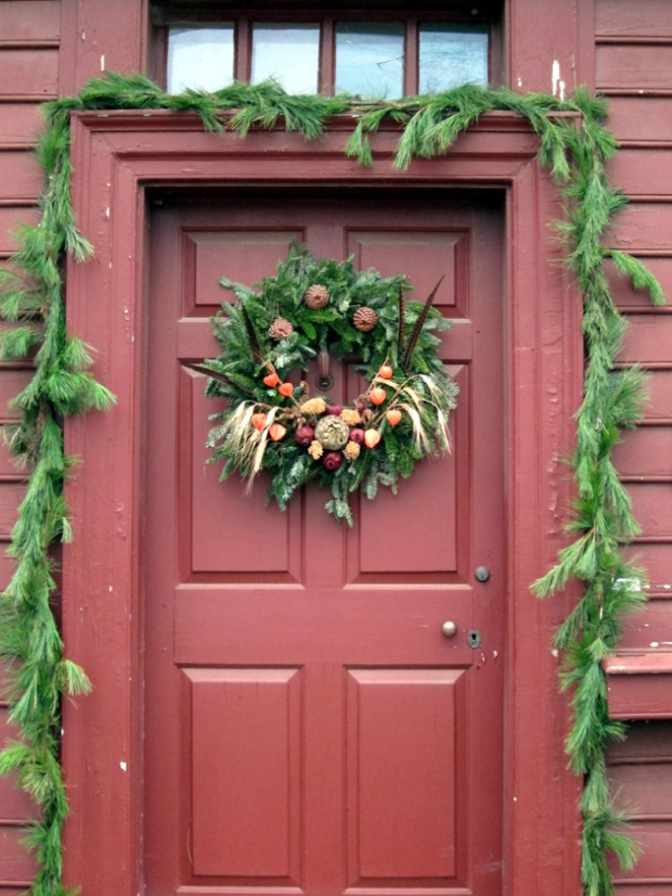 Colonial Christmas wreath with dried flowers and pods